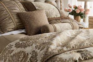 Beautiful bedding, luxury bedspread for visitors to Honeysuckle Luxury Retreat