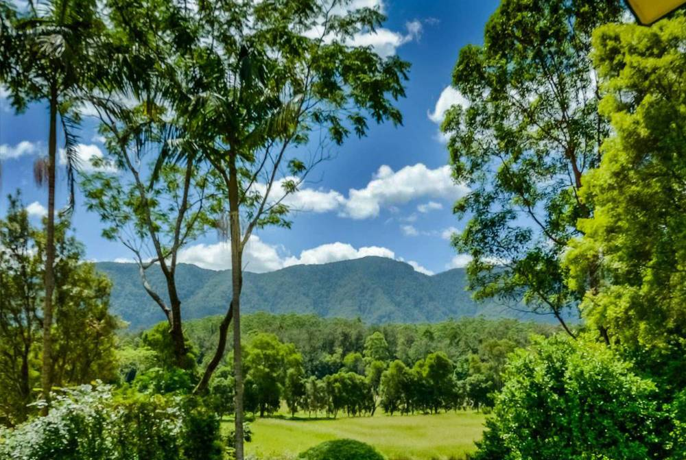 Hermes Estate mountain views to the Great Dividing Range hinterland