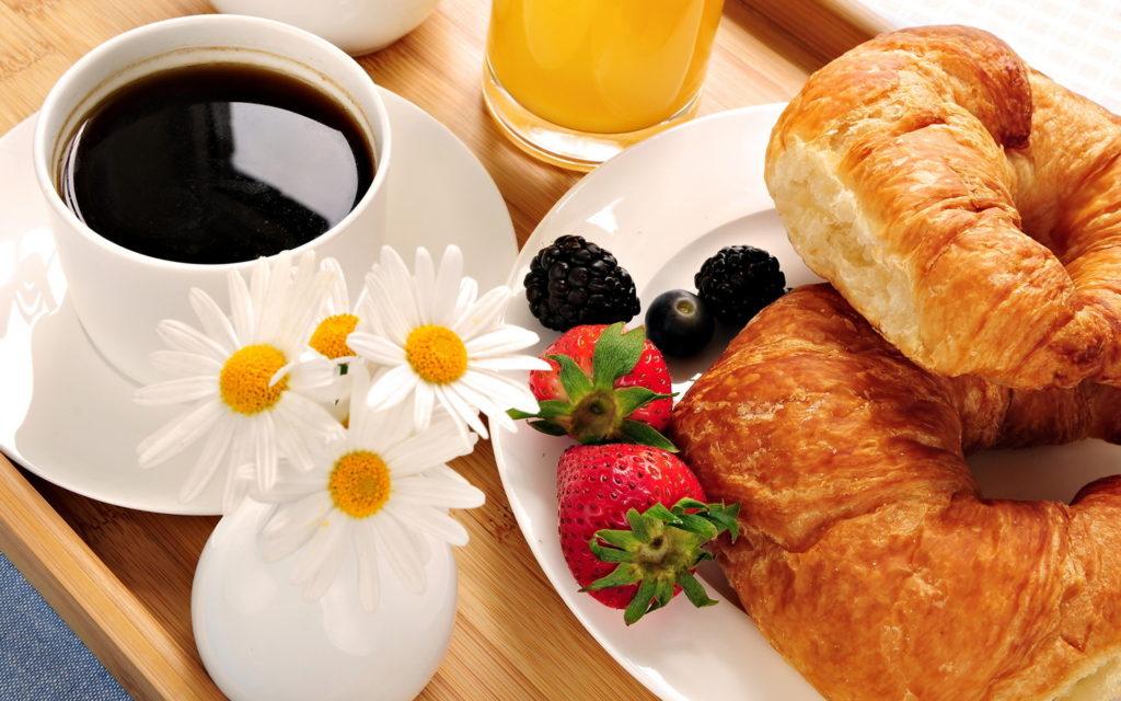 Breakfast in bed at Hermes Estate