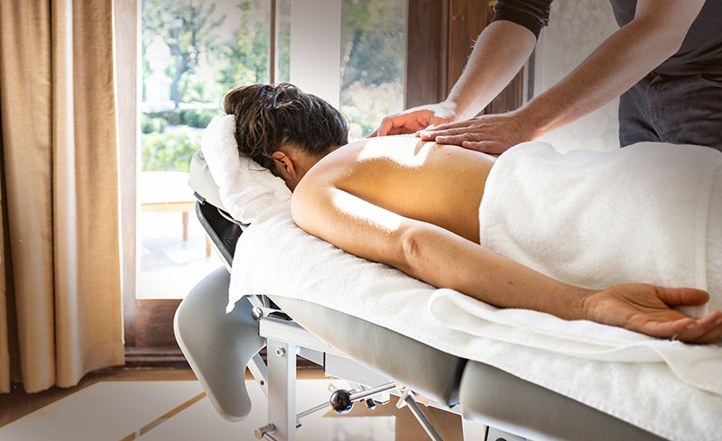 Heavenly aromatherapy massage, relataxtion in your private spa studio