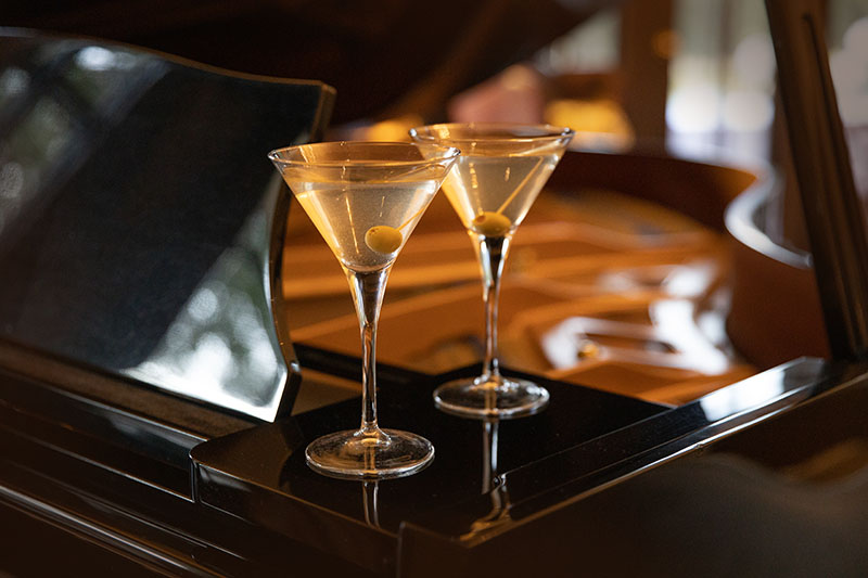 Hermes Etate sophisticated cocktail hours and appertif served by yiur private butler